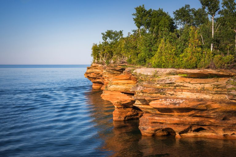 Red rock formations of Pictured rocks.