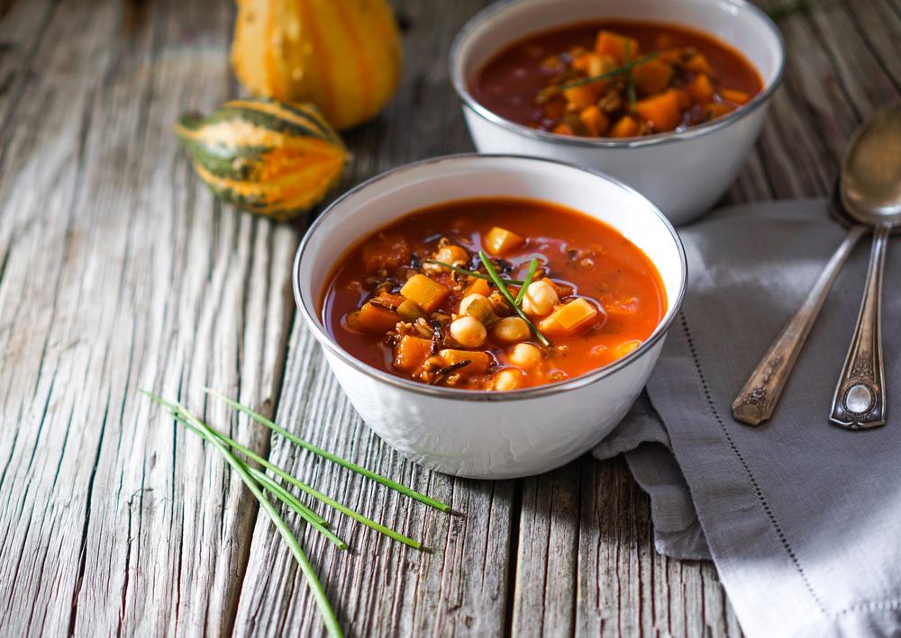 Two bowls of pumpkin chili