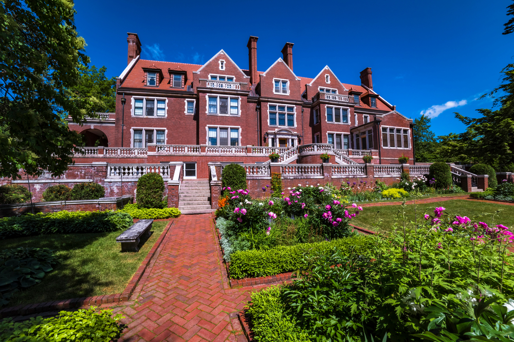 Glensheen Mansion in Duluth a large country home with a beautiful garden