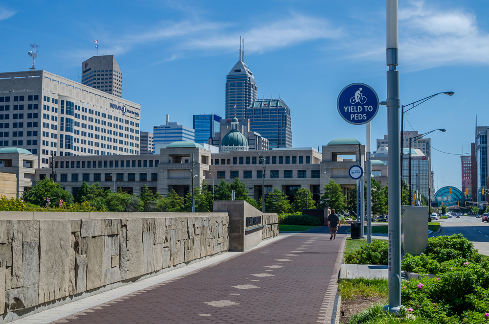 A section of the Indianapolis Cultural Trail heading into the city.