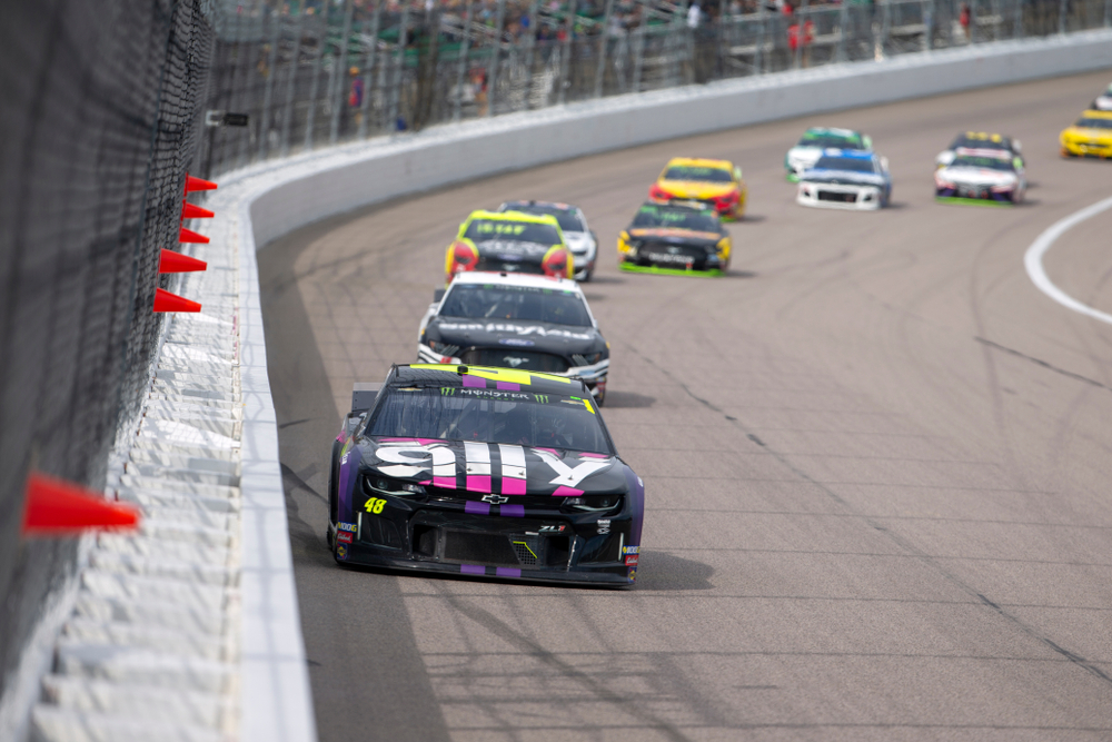 Racecars on the track at the Kansas City Speedway.